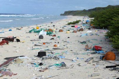 ¡La isla que convertimos en plástico!