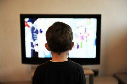 ¿Por qué los niños repiten las películas?